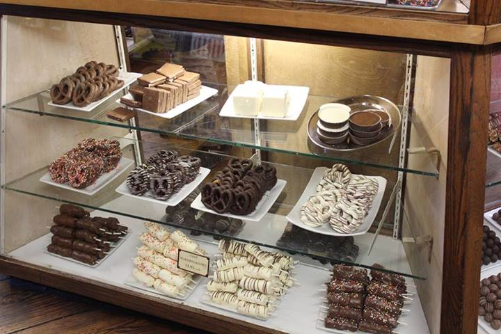 Savannah Senior Sweet Tooth? Savannah Candy Kitchen – River Street ...
