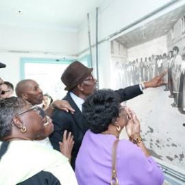 black Coastal Georgia Senior Citizens visit the Pin Point Museum